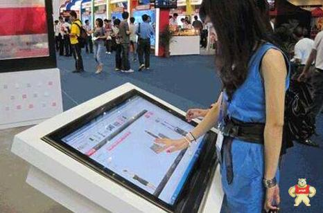 如何使用触摸屏一体机帮助商家吸引客户