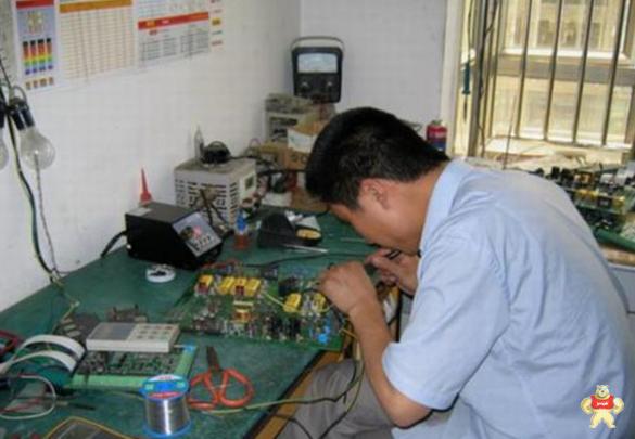 变频器控制电机:电机不动但是面板有数字闪烁跳动的原因何在
