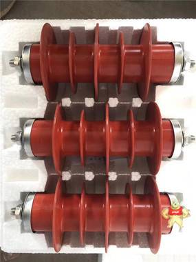 35KV柱上避雷器 35KV柱上高压避雷器,35KV户外避雷器,35KV户外柱上避雷器,35KV电站内用避雷器,HY5WZ-51/134电站避雷器