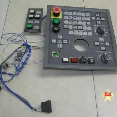 OKUMA Opus 7000 MPN 7000 e0105-566-111 D-S 键盘复位侧面